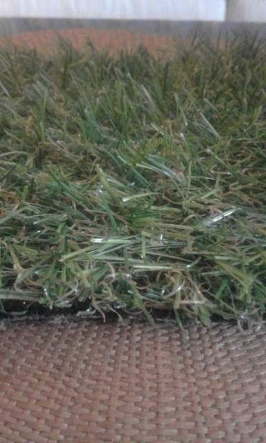 Erba artificiale realistica 32 mm per giardini e terrazze
