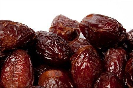 La datte Medjoul (Mejhoul ou Madjool) est considérée comme la plus rafinée des dattes et offre une chair charnue, mielleuse et très moelleuse.
