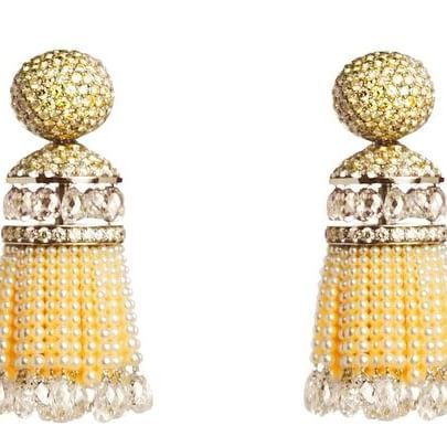 """""""It is the discerning eye of a sophisticated collector that will appreciate the exceptional craftsmanship of Hemmerle whose jewels will definitely become the antiques of the future."""" @joannahardyltd, Author, Curator and Jewellery Advisor. #Hemmerle #earrings #diamonds #naturalpearls #gold #oneofakind"""