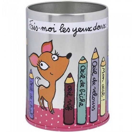Pot à crayons design Les yeux doux Couleur Multicolore Matière Métal - Vous adorerez ce superbe pot à crayons design tout mignon ! Représentant une biche et comportant le message fais-moi les yeux doux ce pot à crayons original accueillera tous vos stylos et crayons pour un bureau bien rangé ! Hauteur : 10.5cm Diamètre : 7.5