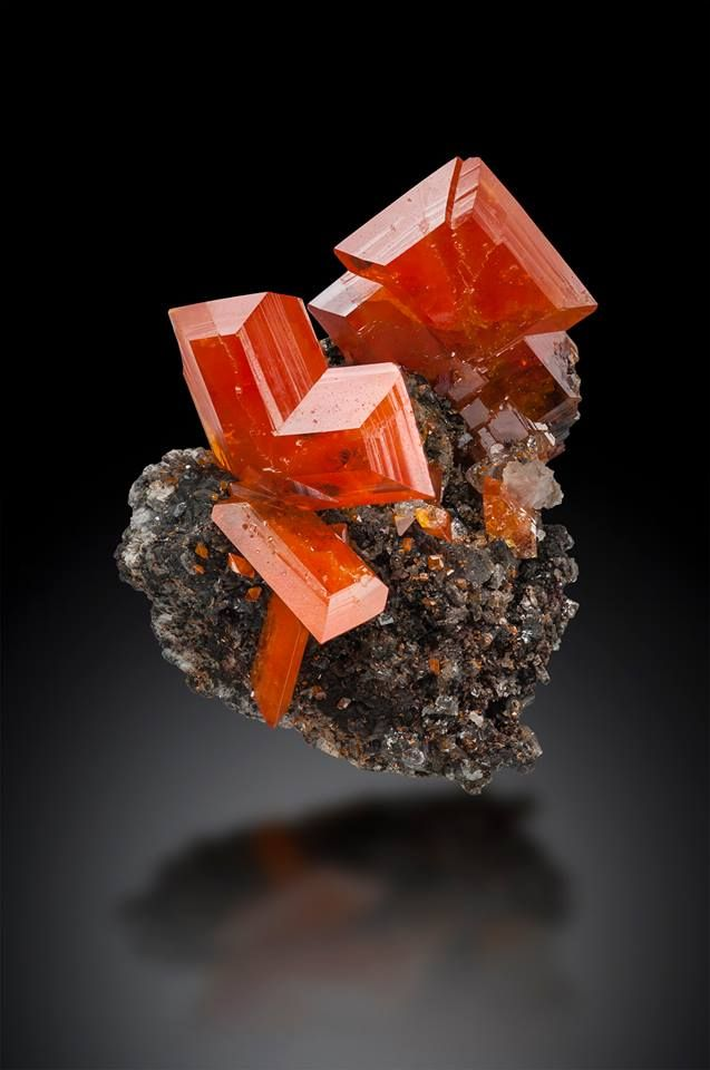 Wulfenite - Red Cloud Mine, La Paz County, Arizona, USA Size: 5.0 cm