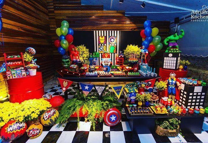 Olha que linda inspirção esta Festa Vingadores! DecoraçãoCris Machado Decor. Lindas ideias e muita inspiração. Bjs, Fabiola Teles.        ...