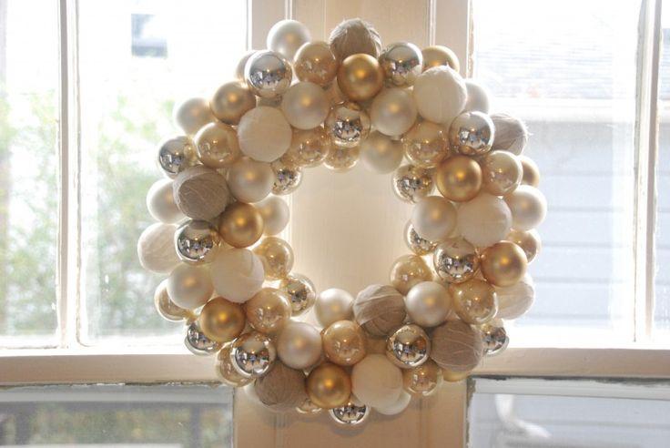Ornament Wreath Tutorial | Sarah Barksdale Design  http://www.sarahcatherinedesign.com/blog/2012/12/03/christmas-ornament-wreath-tutorial