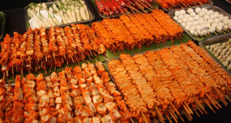 #Филиппинцы очень любят поесть. Но из-за специфической кухни, вам придется найти место, где еда будет вам по душе:) #казино #азарт #еда #филиппины #остров