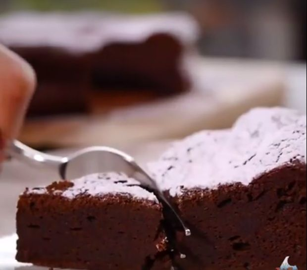 Diétázol és nincs sok időd? Egyszerű, gyors és fogyókúrás édességre vágysz? Ezzel a csokitortával tutira nem lősz mellé! Nem kell hozz�...