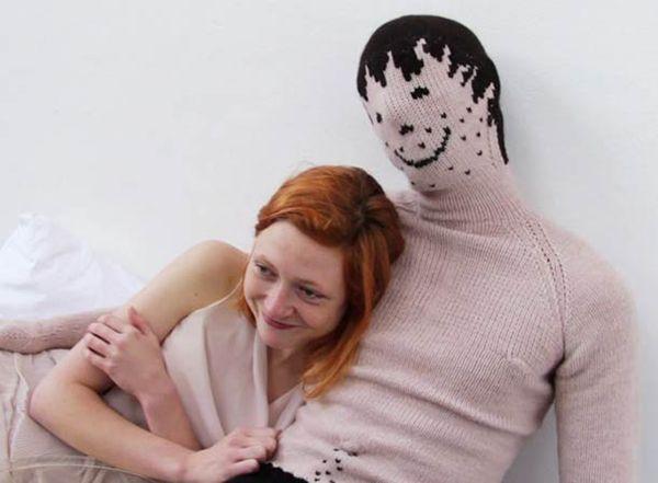 Cosa si può trovare nella casa dei single http://bit.ly/1EHs3qP #design #arredamento #casa un boyfriend cucito nella casa dei single
