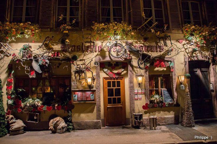 Les restaurants sont à l'heure de Noël (Photo : Philippe Derozier) #Colmar #Alsace #France #Noël #Christmas #Weihnachten #travel #voyage #Reise #decoration #Ausschmückung #décoration (www.noel-colmar.com)