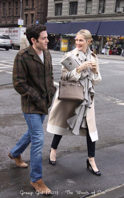 the woman can wear a trench!!!