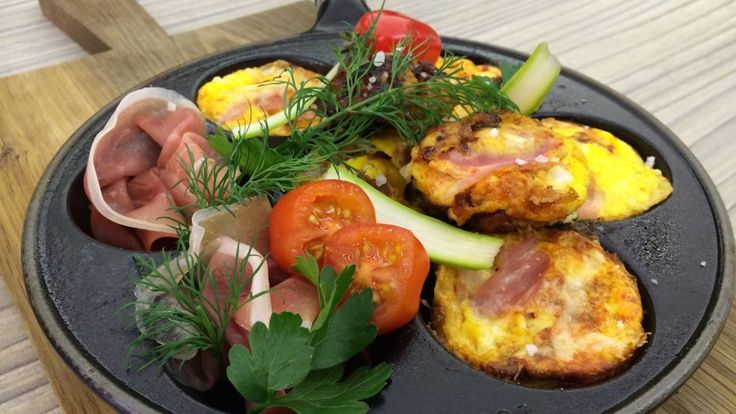 Omeletskriver med skinke og tomat - Tre retter med en æbleskivepande | GO'