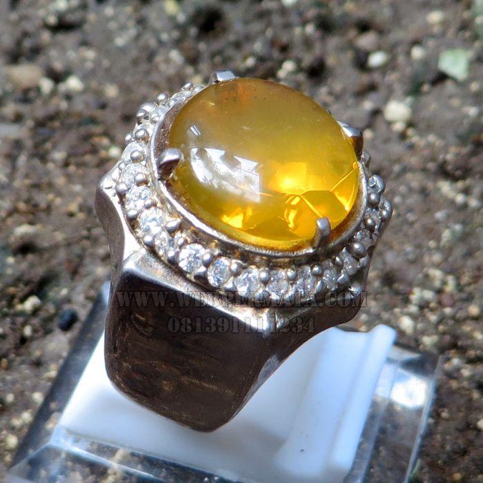 Batu Yellow fire opal