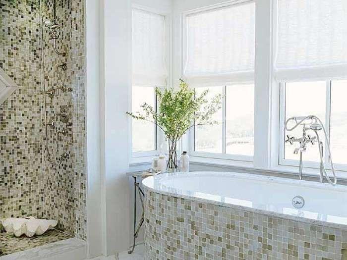 Bagni a mosaico, foto dei più colorati ed eleganti - Bagno mosaico chiaro
