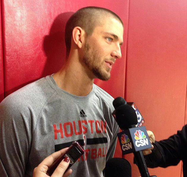 Houston Rockets' Chandler Parsons shaves head in solidarity with young cancer patient (Photo)