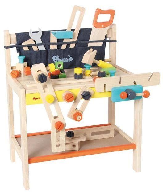 Werkzeugbank    Besondrs große, massive Ausfgührung aus Holz. Mit viel Zubehör. 53 Teile Werkzeug, Schrauben, Muttern. Alles aus Holz, sowie einem Werkzeuggürtel aus Stoff.