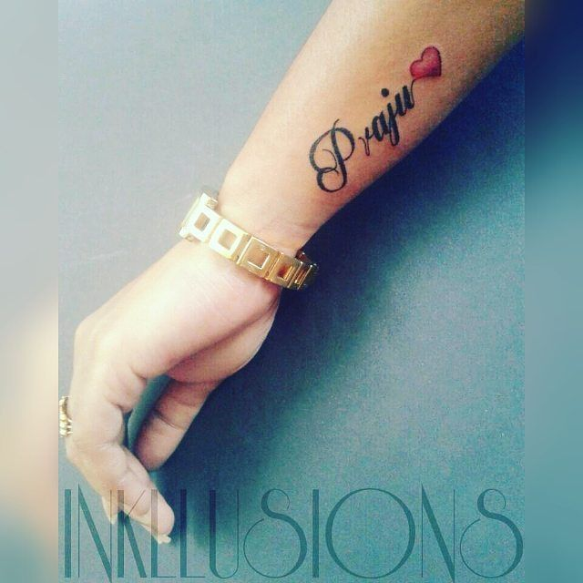 Side Wrist Tattoo Her Name With Love Symbol Side Wrist Tattoos Name Tattoos Name Tattoos On Wrist