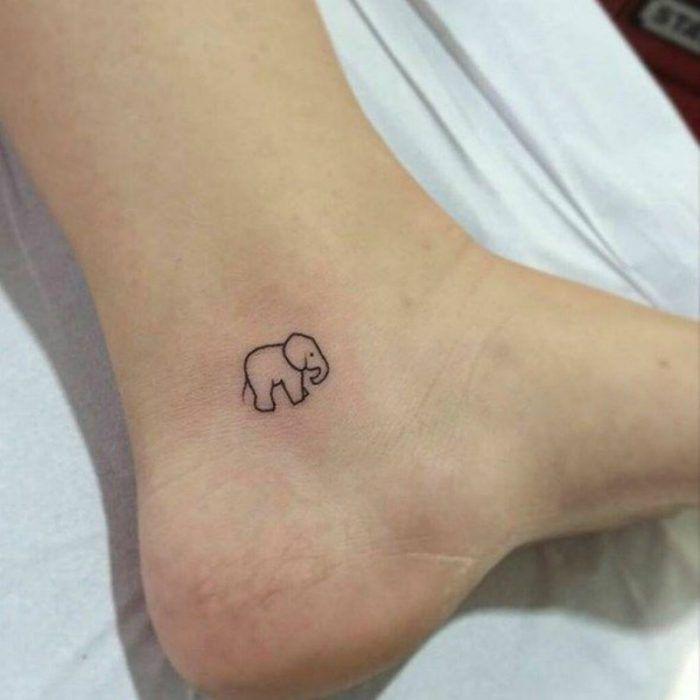 tatuaje de elefante en el pie