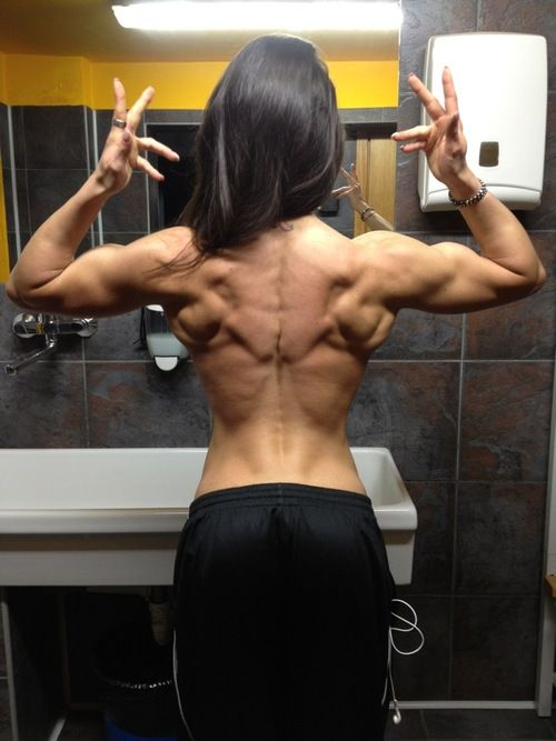 Doina Goruns....SICK back #muscles! Follow our boards @ NoBullWoman Apparel for the coolest Workout Clothing, Motivation, Excercises & Information.