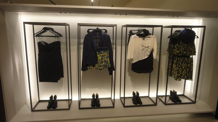 zara store design Zara's buy online pick up in store concept with cleveron's cleverflex  can be  mounted inside the wall, so it is compatible with the interior design of the store.