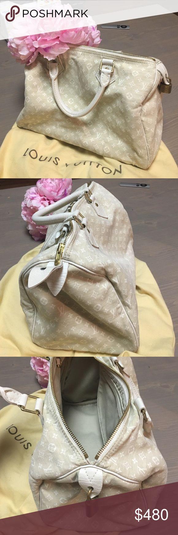 Louis Vuiton classic speedy bag, white cotton Louis Vuiton classic speedy bag, white cotton. Good condition. Louis Vuitton Bags Totes