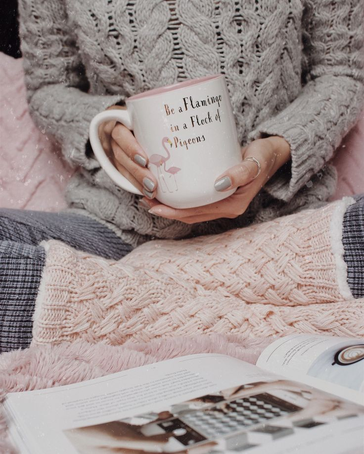 ↠ rainy day, nice cup of coffee and a cozy pair of socks... what more could I ask for? 🍂 // instagram: @jessienuqui #fall #cozy #coffee #rainyweather #socks