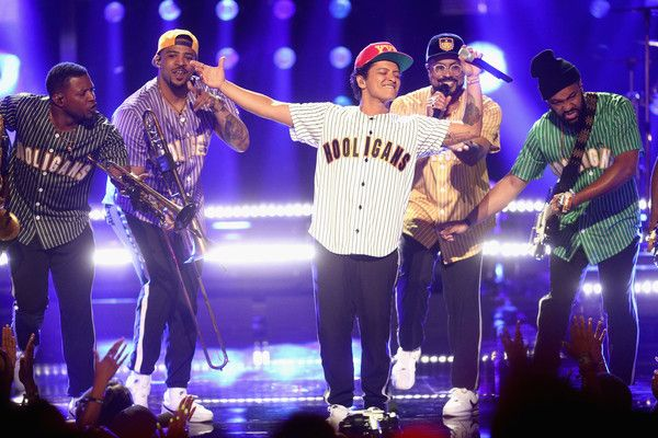 Bruno Mars Photos Photos - Bruno Mars performs onstage at 2017 BET Awards at Microsoft Theater on June 25, 2017 in Los Angeles, California. - 2017 BET Awards - Show