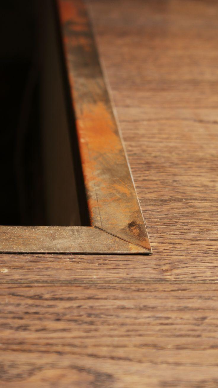 Barre de seuil en métal brut. #barre #seuil #métal #rouillé