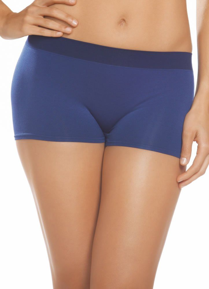 women's boyshort swimsuit bottoms For sporty bottom coverage, boyshorts are the perfect pick. With a short style to give your rear the coverage you want and a flirty boy cut, boyshorts are a comfortable way to sunbathe on the beach.