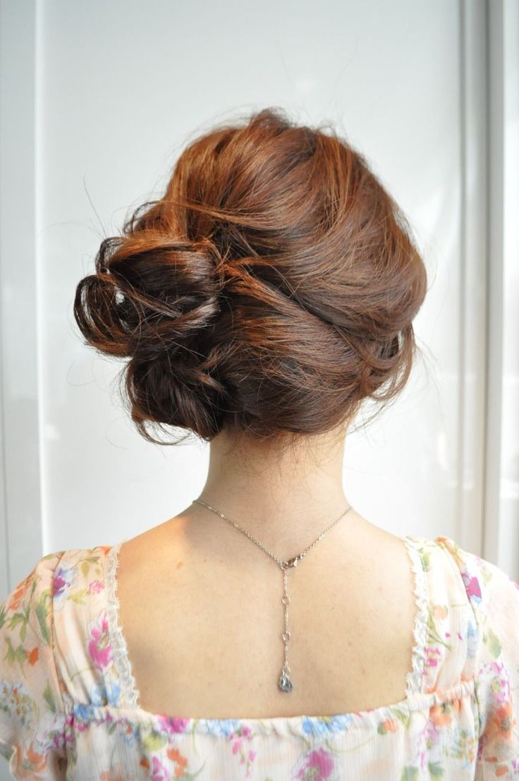 20 Cute Side Bun Hairstyles For Bright And Stylish Ladies