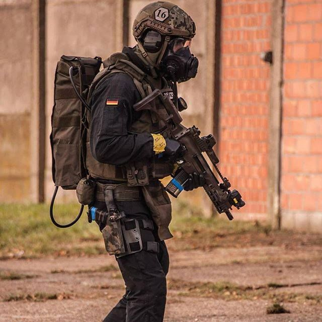 #SpecialForcesAroundTheWorld ...... GSG 9 is a German counter-terrorism and special operations unit.