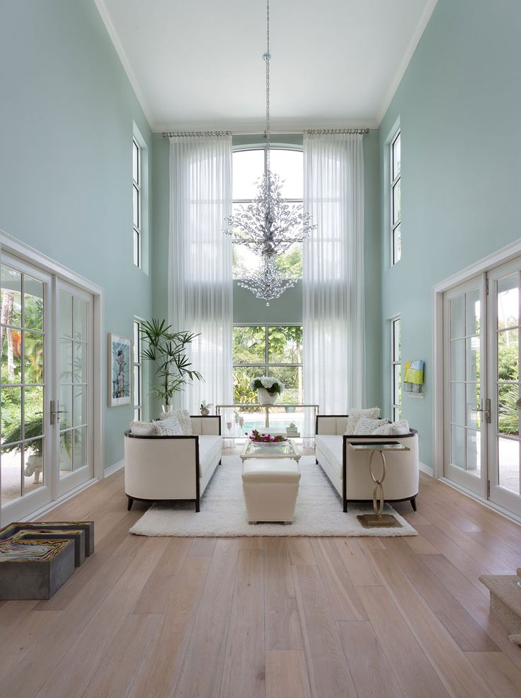 Best 25 High ceiling decorating ideas on Pinterest  Decorating high walls Tall ceiling decor