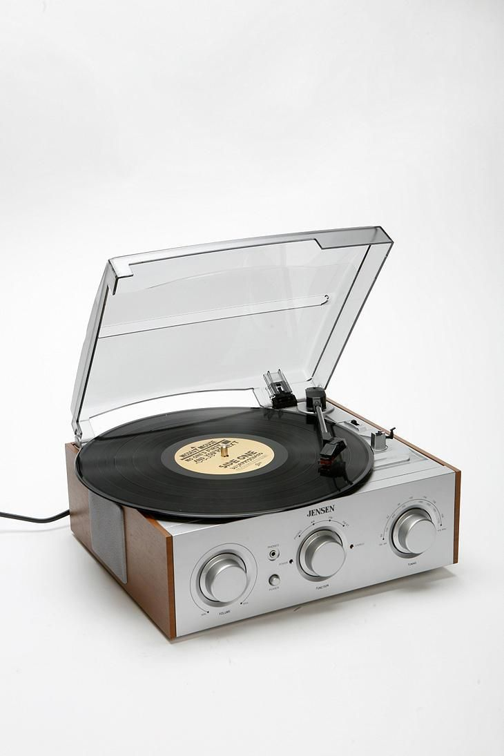 My record player, such a pretty little guy. Jensen Wooden Record Player #urbanoutfitters
