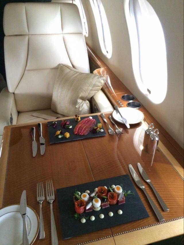 Сланцевая #посуда #WelshSlate #Slateware на борту частного самолета #Аэропорт #Лондон
