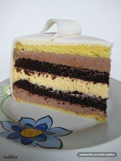 Kod mene su čokolada i narandža uvek dobitna kombinacija! Torta je pravljena sestri i Njenoj porodici za Božić.