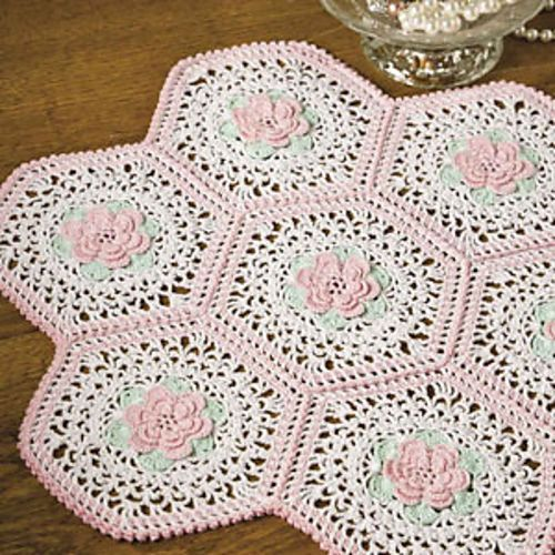 Bouquet of Roses Doily #Christmas #thanksgiving #Holiday #quote