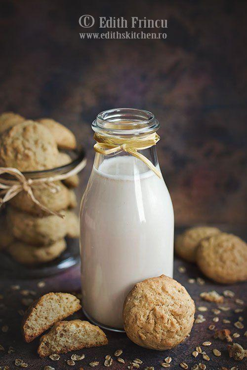 Lapte de ovaz- Suntem in post, asa ca laptele vegetal este o idee mereu la indemana, este sanatos si plin de nutrienti. Probabil ati auzit de lapte de migdale, lapte de c
