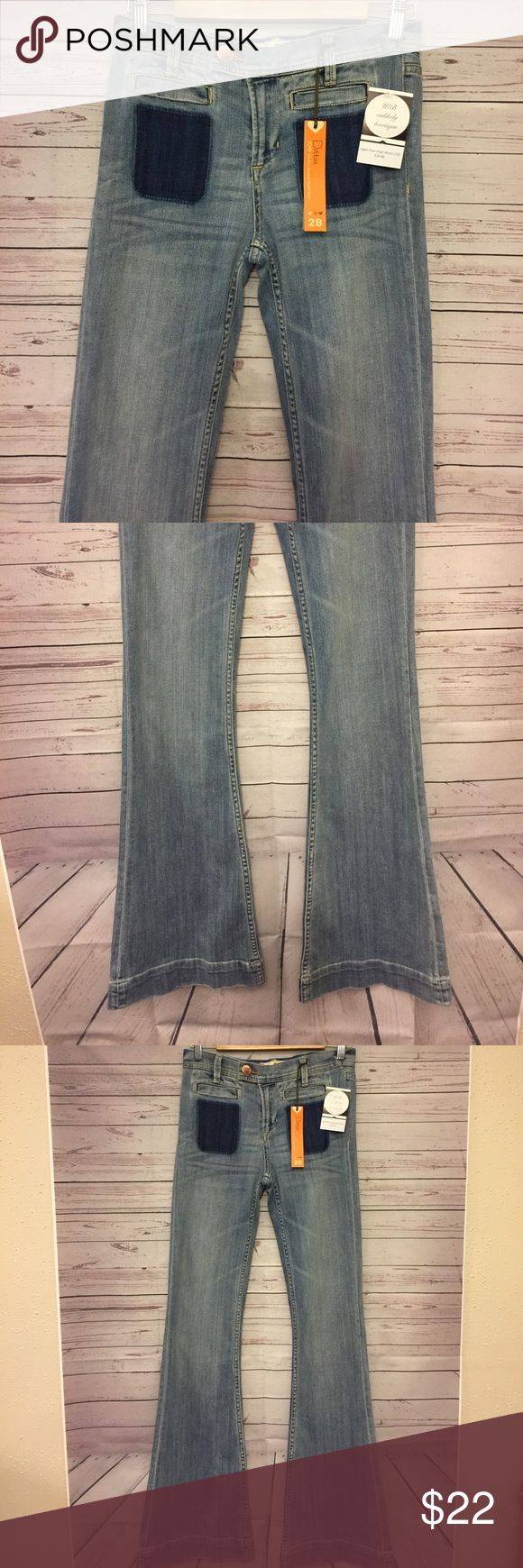 NWT Ditto Size 28 mid rise Flare Jeans Stretch Excellent condition no flaws waist 14.5 in Length 45 in inseam 35.5 in ditto Jeans Flare & Wide Leg