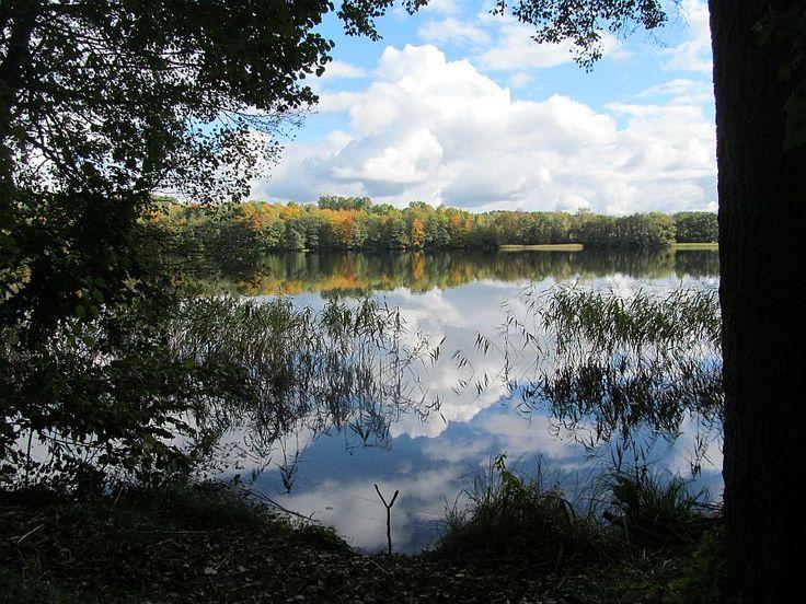 Jezioro Czos na szlaku pieszym na Górę Czterech Wiatrów.  www.it.mragowo.pl