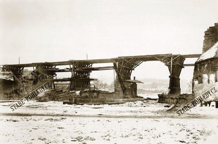 Oprava Karlova mostu 1890