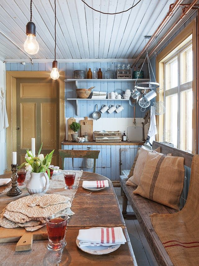 FleaingFrance Brocante Society Rustic dining via Made in Persbo