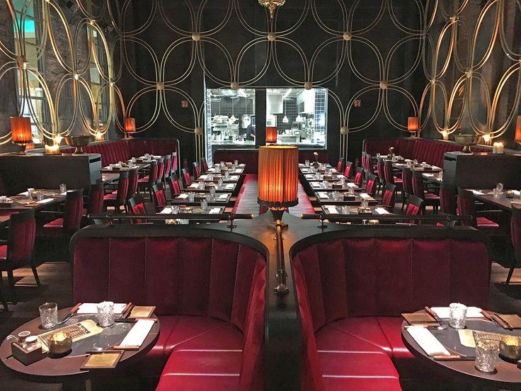 #Bar und #Restaurant Hohoffs in Hagen. Sämtliche Möbel sind Maßanfertigungen. #Barhocker, #Stühle, #Sessel, #Bänke, #Tische.