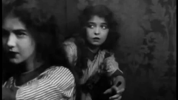 An Unseen Enemy 1912 El enemigo invisible - 1st Lillian & Dorothy Gish f...