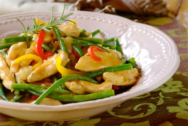 Chicken and Green Bean Stew: so easy to make, and ready in 45 minutes! #stew #easy #recipes