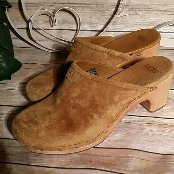 Ugg clogs boots brown suede very good condition 11 Authentic uggs clogs size 11 UGG Shoes Mules & Clogs