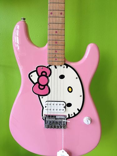 Fender Squire guitar Hello Kitty =^.^=