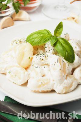 Domáce gnocchi so syrovou omáčkou