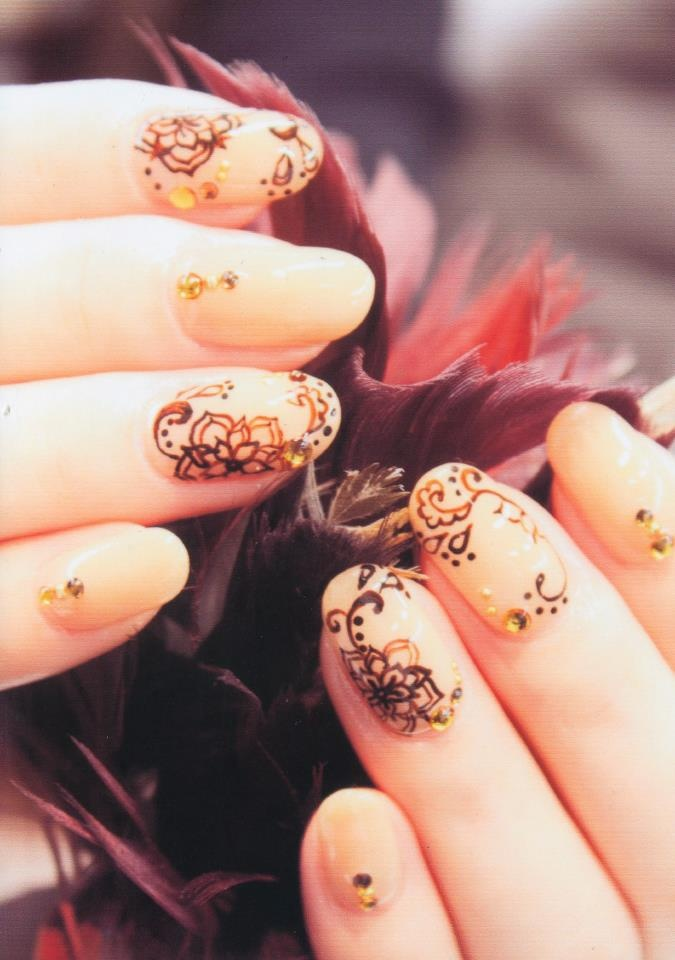 gold swirls- pretty eastern influence