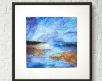 Vilt schilderij geïnspireerd door een Schotse strand naald vilten in heldere gewaagde kleuren in een semi-abstracte stijl. Gemaakt met merinoswol en zijde in hete roze, oranje en helder blauw. Vervolgens alleen maar om het afmaken voegde ik een beetje van schittering!  U ontvangt uw kunstwerk compleet met wit mat/mount Raad en steun zoals gezien in de eerste 2 fotos. Houd er rekening mee dat geen FRAME voorzien van dit item is (het helpt houden verzendkosten en u kunt kiezen uw eigen frame)…
