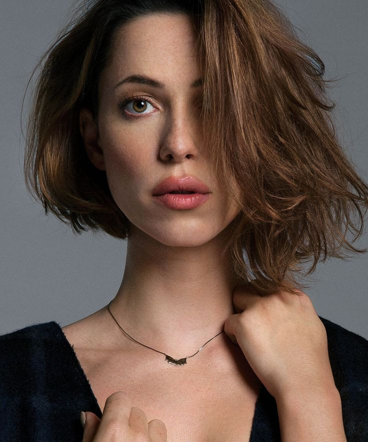 Emily Blunt or Rebecca Hall? - Off-Topic - Comic Vine