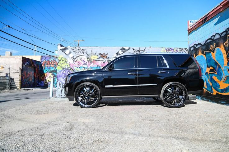 2015 escalade with custom wheels | Cadillac Escalade on 30 ...