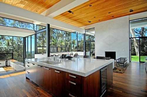 A good way to utilize natural light. Amazing open floor plan. I love this
