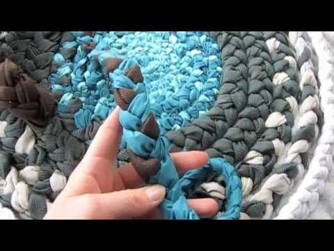 How To Make An Adorable Bathroom Rug From Fabric Braids - DIY Stratosphere